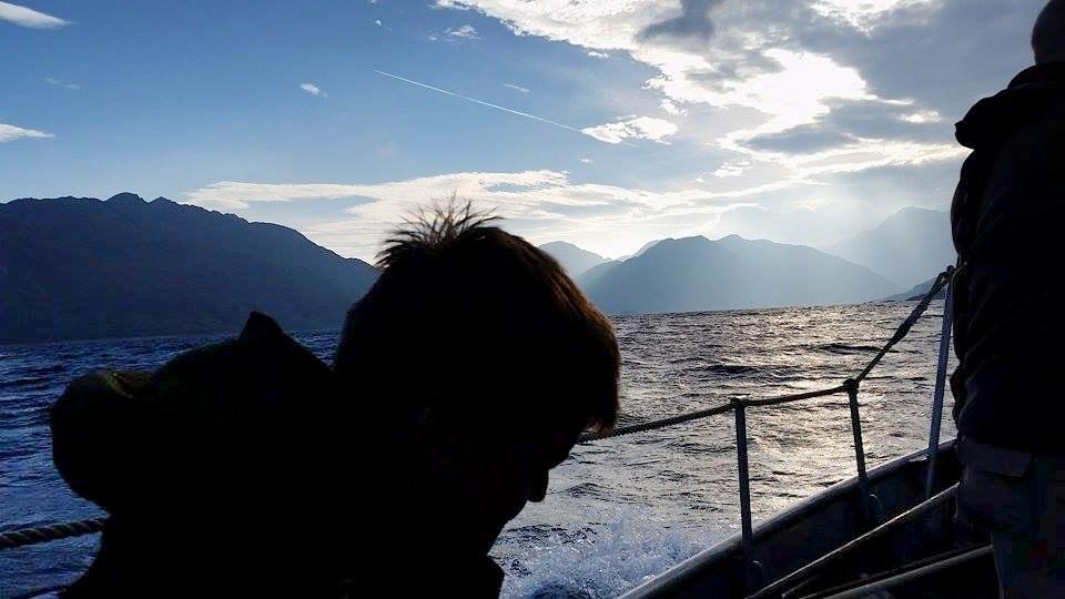 Mit dem Motorboot ging es ins Revier. ©Wilddiebe