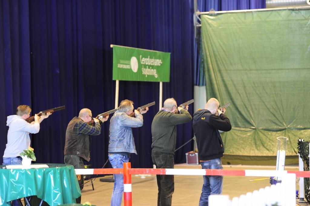 Ein highlight: Tontauben schießen in den Messehallen ©Haas