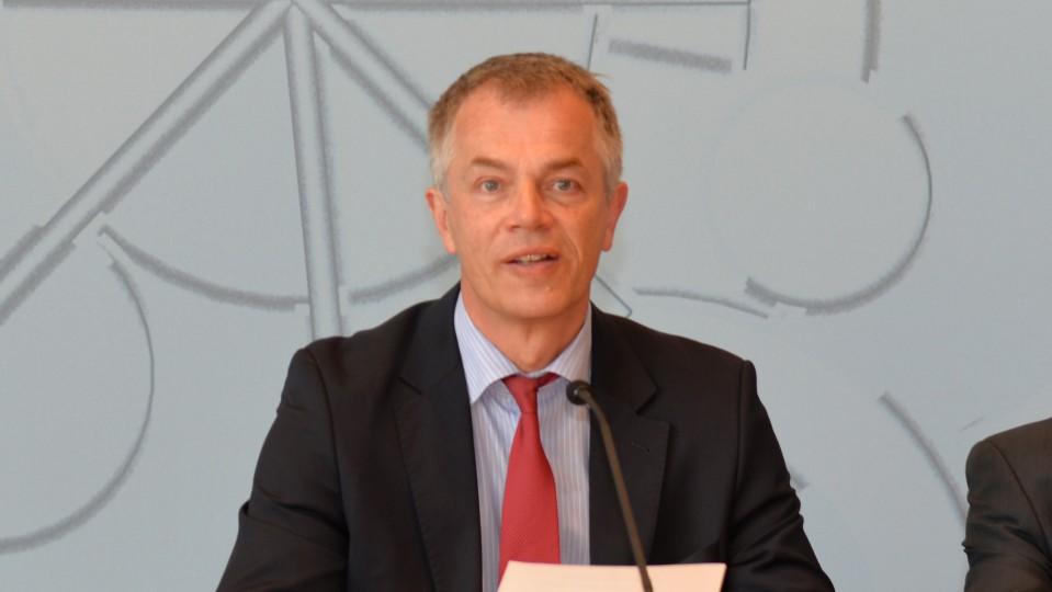 NRW Umweltminister Johannes Remmel - erntet nicht nur von Jägern Kritik für sein ökologisches Jagdgesetz Jagd jagen Katzen Fundbüro DJV ljv