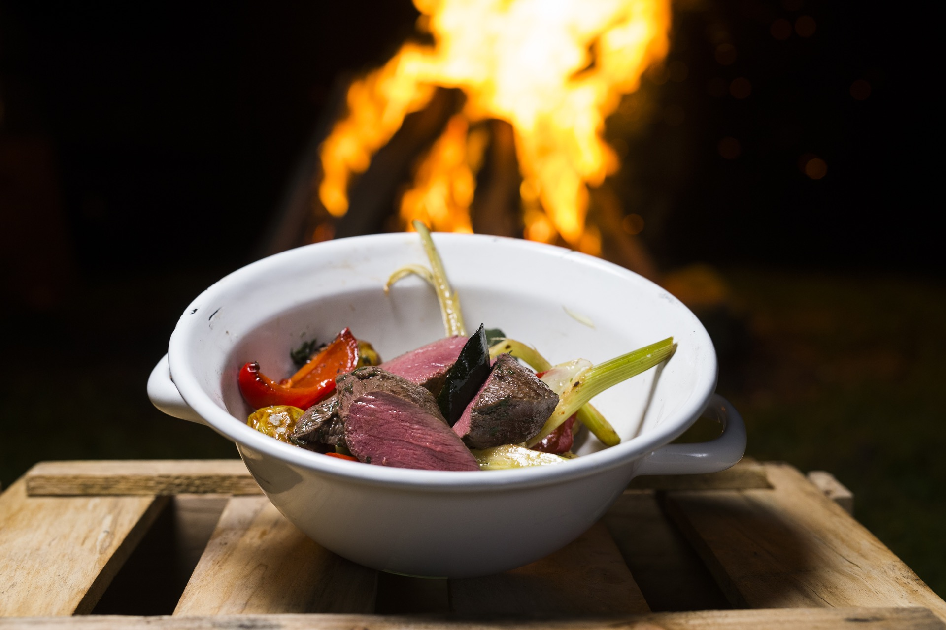 Fertig! So lecker kann Grillen sein! ©Oliver Hardtjaegermagazin jagd campers kitchen kochen köche