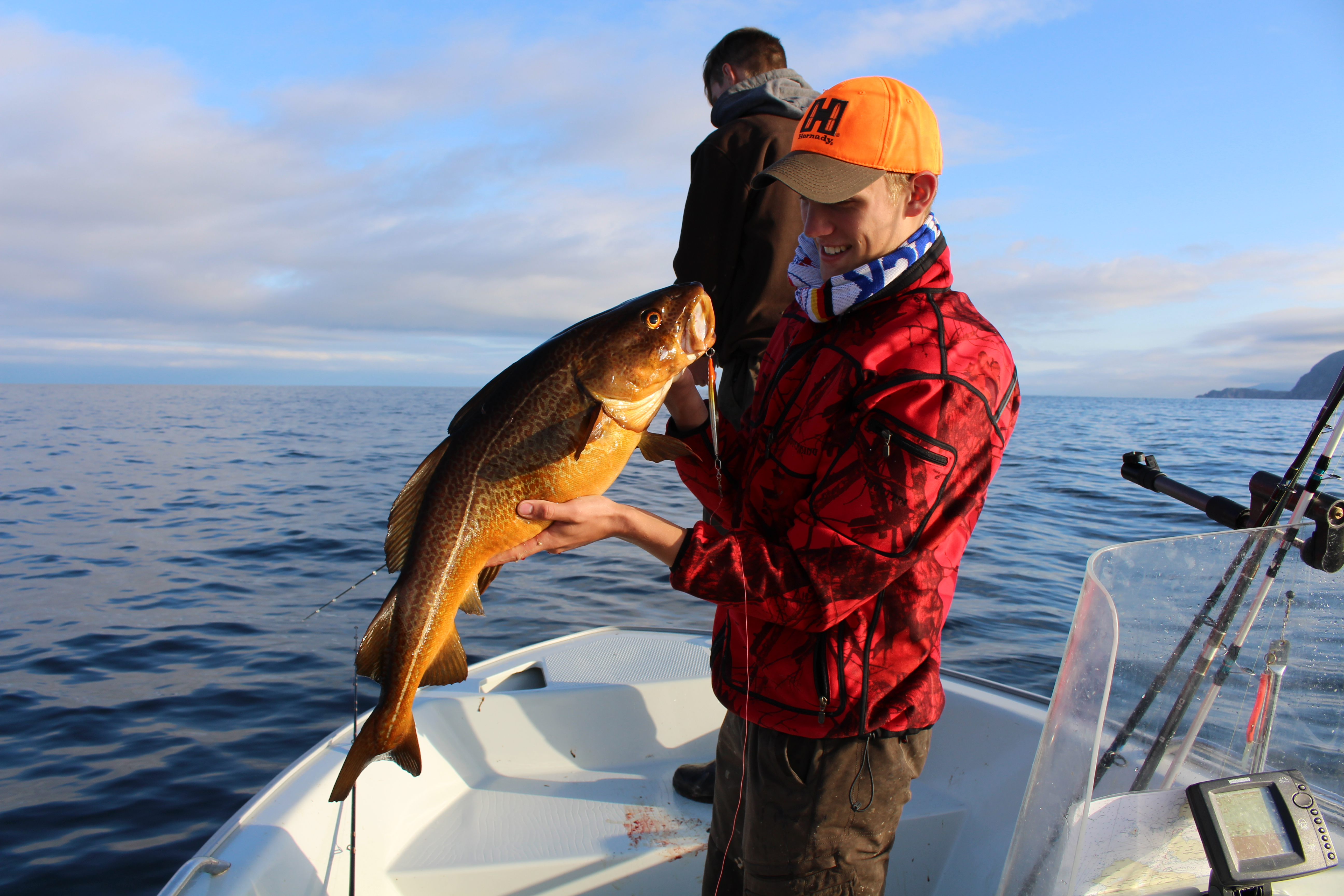 Gerold mit 4,5 Kilo Tangdorsch jaegermagazin Wilddiebe Angeln in Norwegen