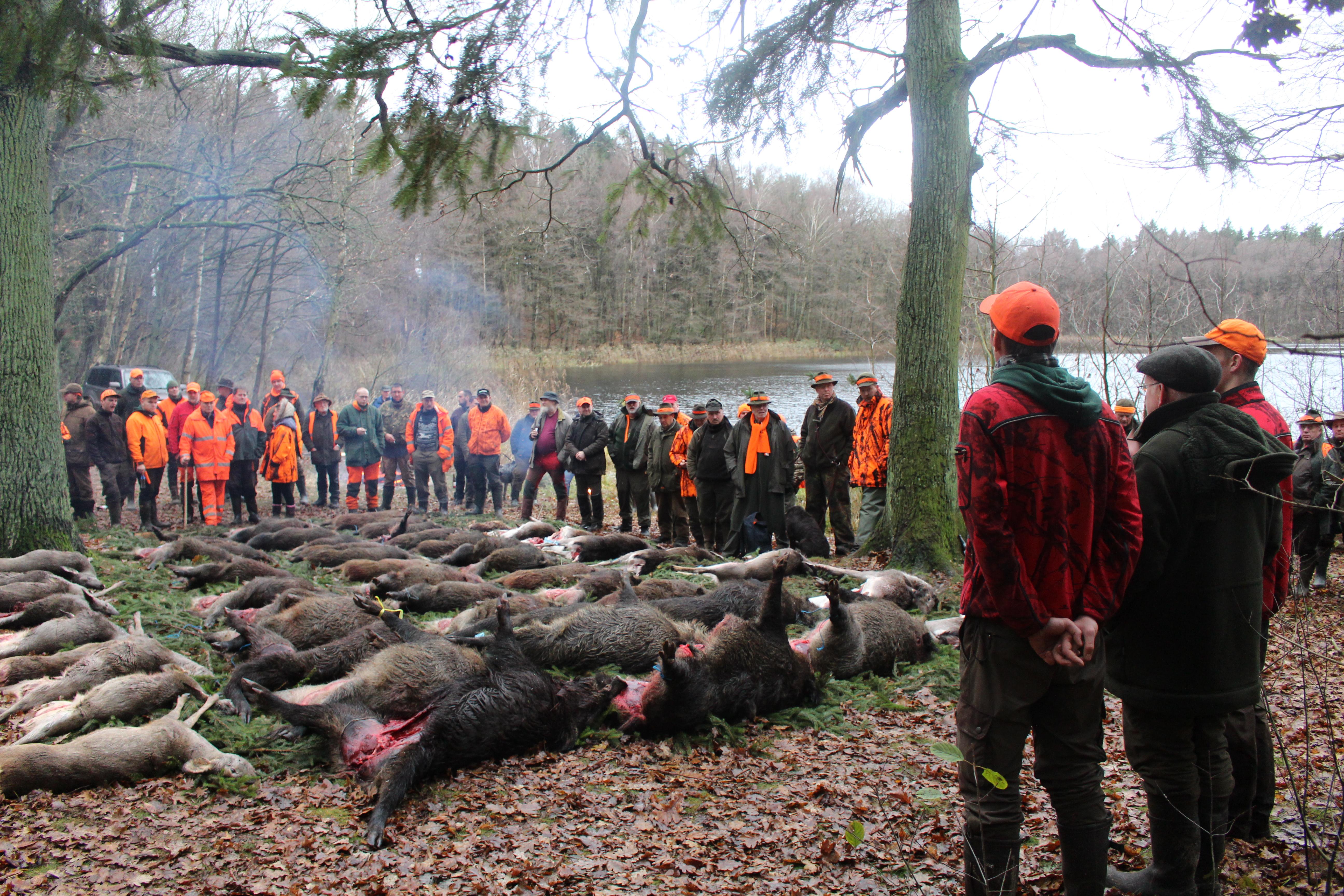 Nun liegt es beim Jagdherrn sich über den Jagdtag zu äußern, bevor die Brüche übergeben werden.