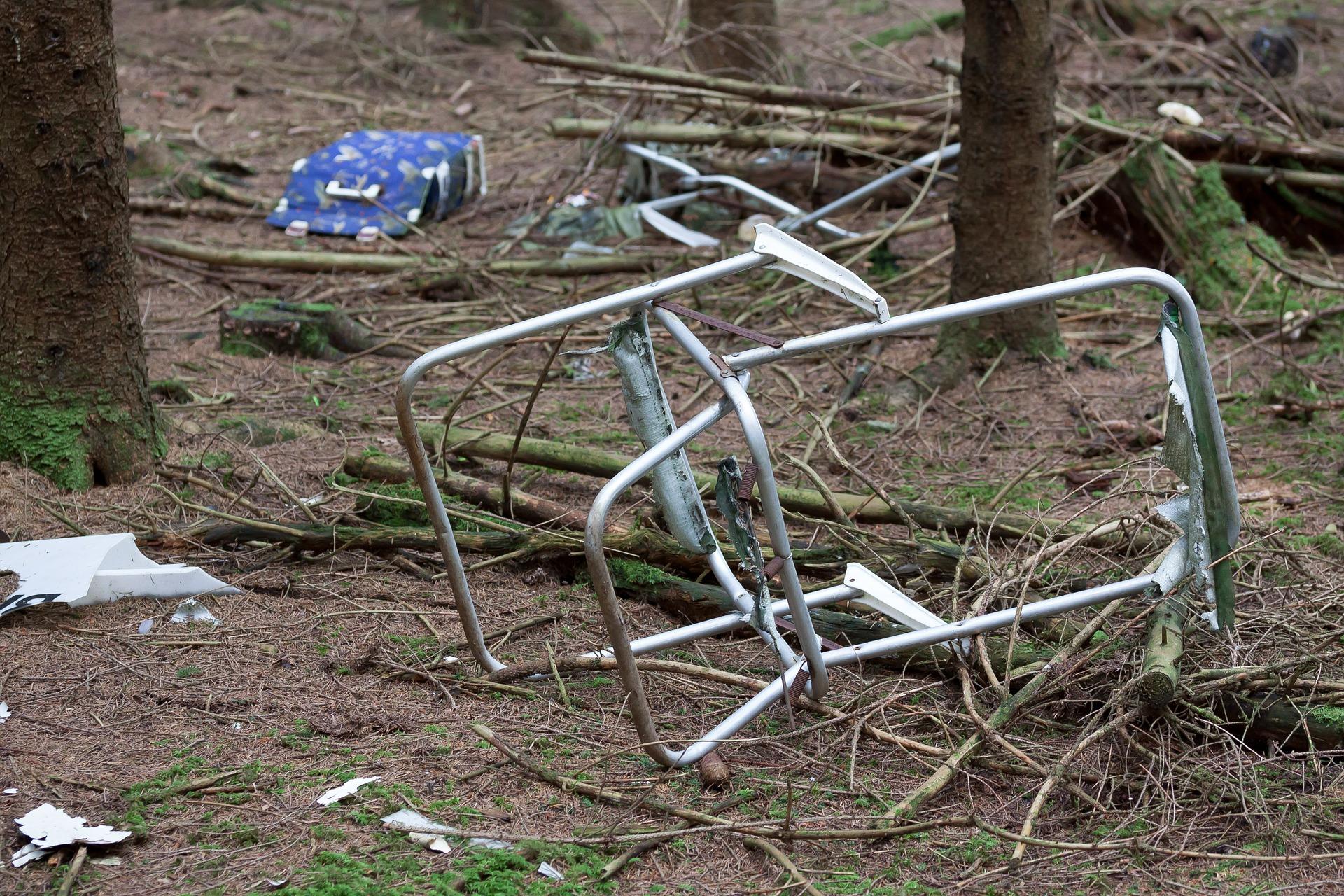 DJV Aktion - Frühjahrsputz im Revier Müll Wald