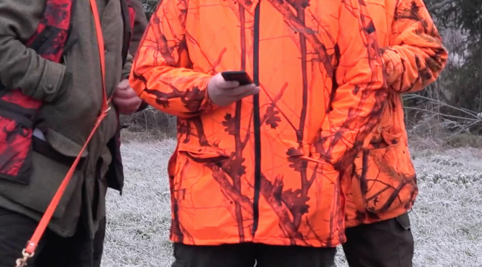 Gerd. G. v. Harling hat in seinem Jägerleben so einiges erlebt. Aber Handy und Jagd ist für ihn immer wieder ein Reizpunkt. Warum, das erklärt er euch hier.